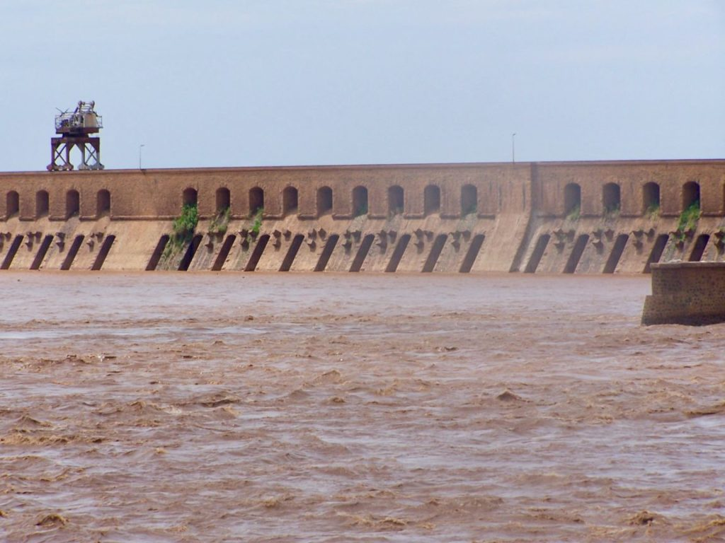 سد سنار، أقدم سد مائي في السودان. 10 مارس 2013 | (cc) Mussapedia